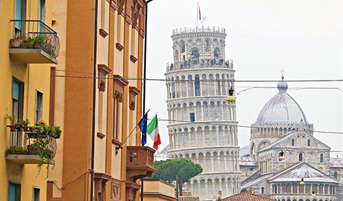 Pisa Tower Parking